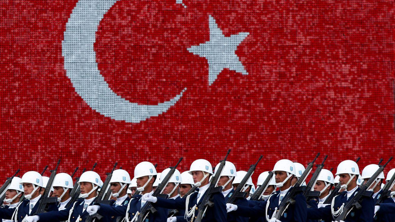 Bronca de bar en el mar Egeo: Grecia y Turquía vuelven a ser enemigos