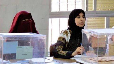 Vox critica a una mujer por ir con burka en una mesa: Encapuchada. Es intolerable