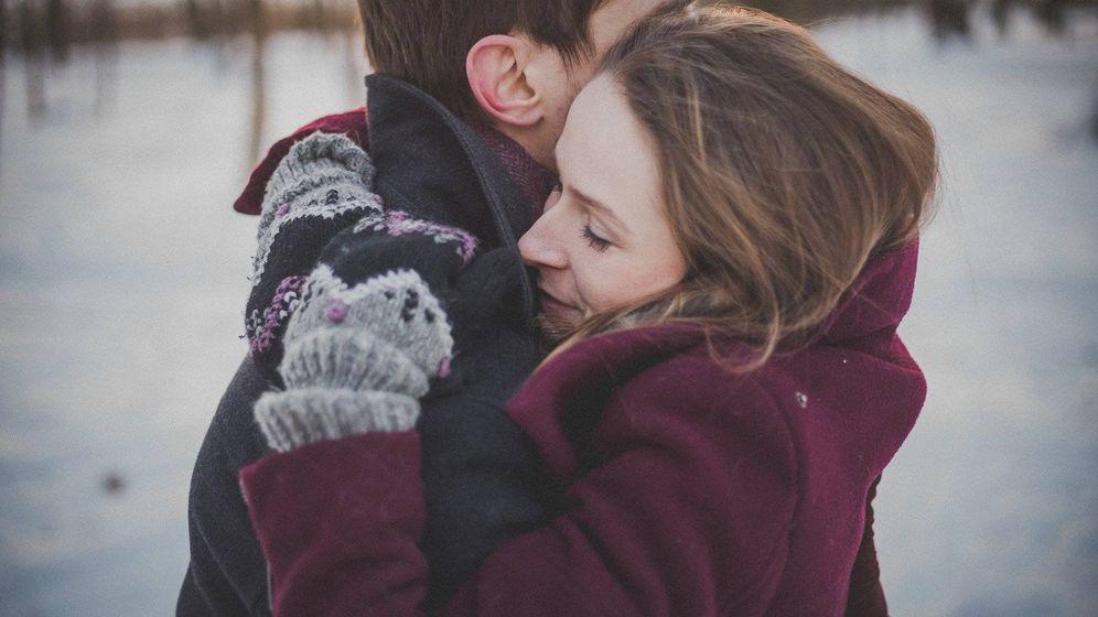 Foto: Abrazo entre dos enamorados. Foto: Pixabay