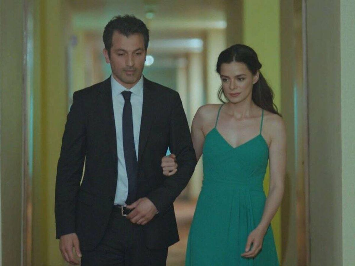 Foto:  Özge Özpirinçci y Feyyaz Duman, protagonistas de 'Mujer'. (Atresmedia)
