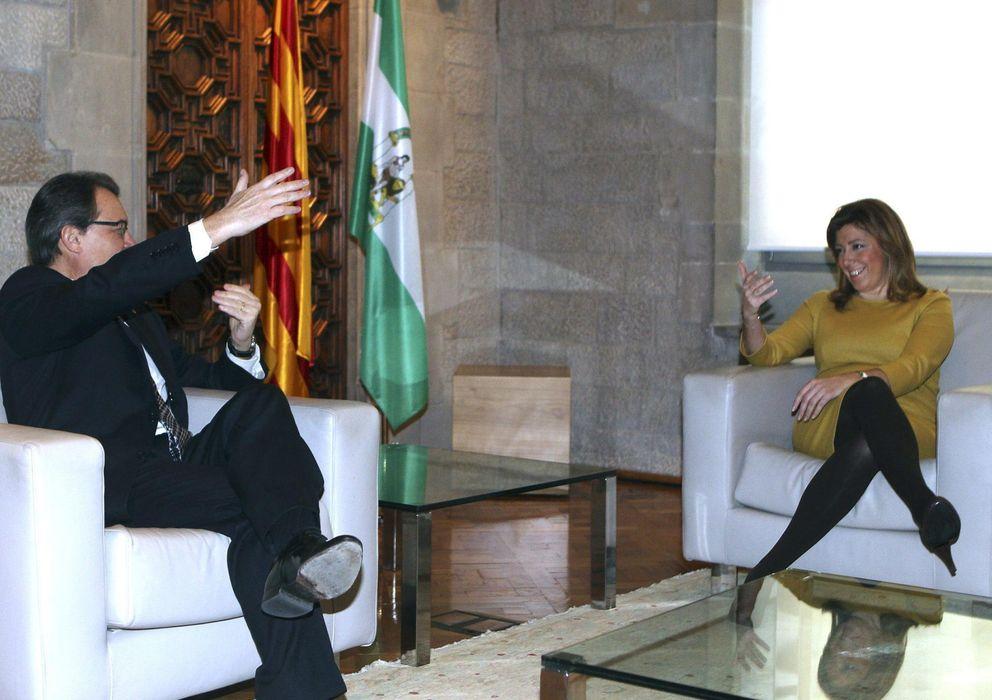 Foto: El presidente catalán, Artur Mas, y la presidenta andaluza, Susana Díaz (Efe)