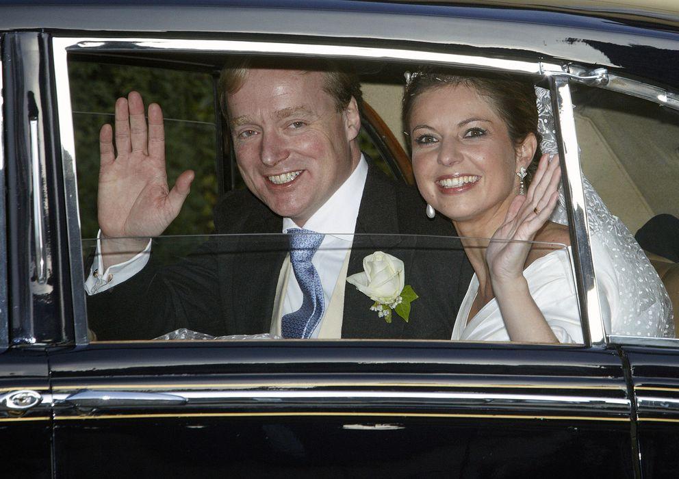 Foto: Carlos Javier de Borbón-Parma y su mujer el día de su boda en noviembre de 2010 (GTres)