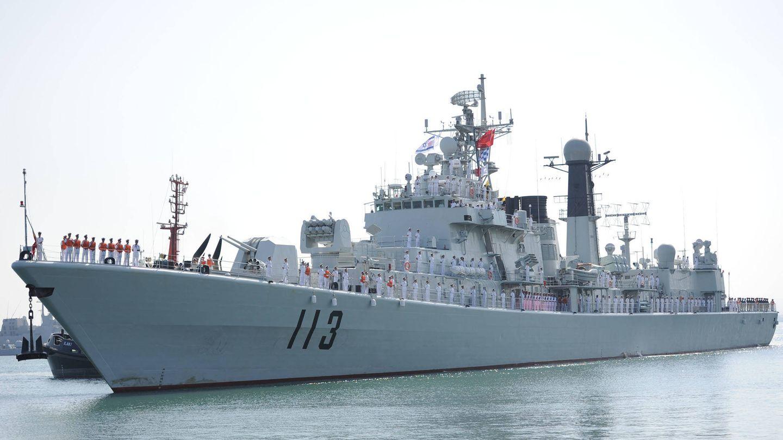 Destructor Qingdao del Type 052. (IDF)