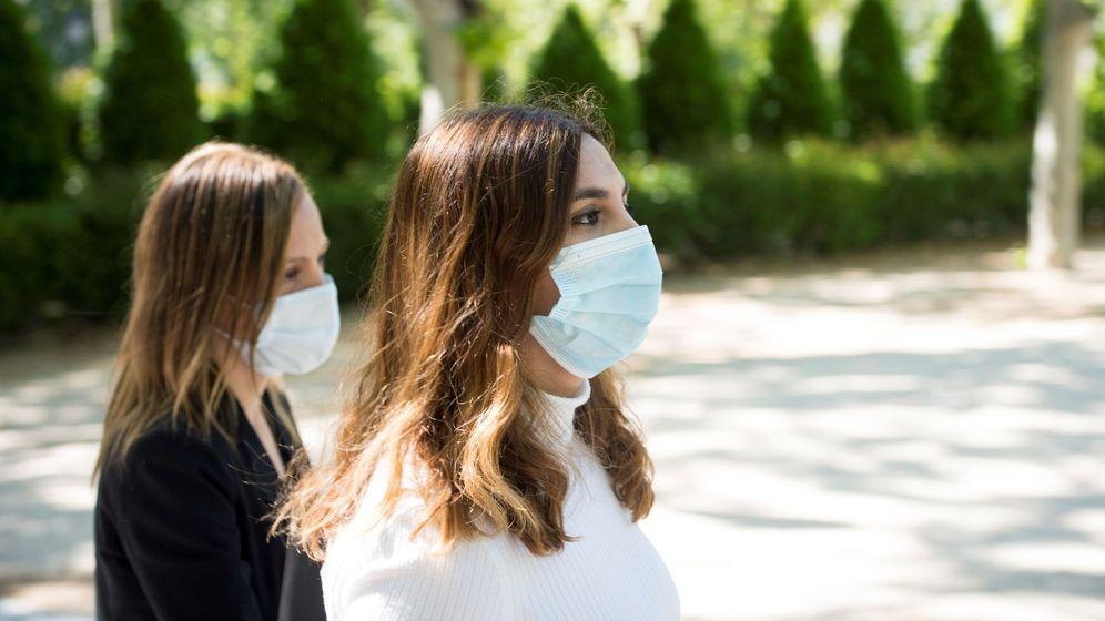 Foto: Dina Bousselham, a su llegada a la Audiencia Nacional en mayo. (EFE)