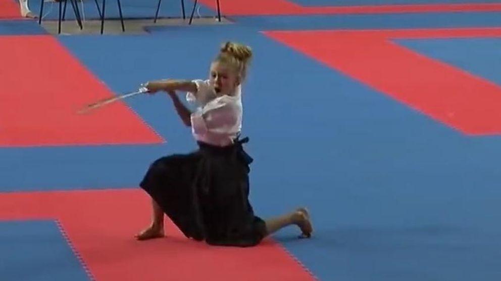 La ninja de ocho años que revoluciona la Red con sus artes marciales