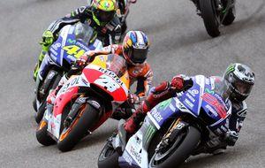Rossi, Pedrosa y Lorenzo pelean por las migajas que dejó Márquez