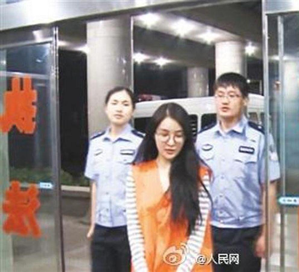 Guo Meimei tras su detención.