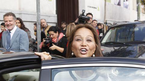 La legión de paparazzi que persigue a Isabel Preysler y Vargas Llosa