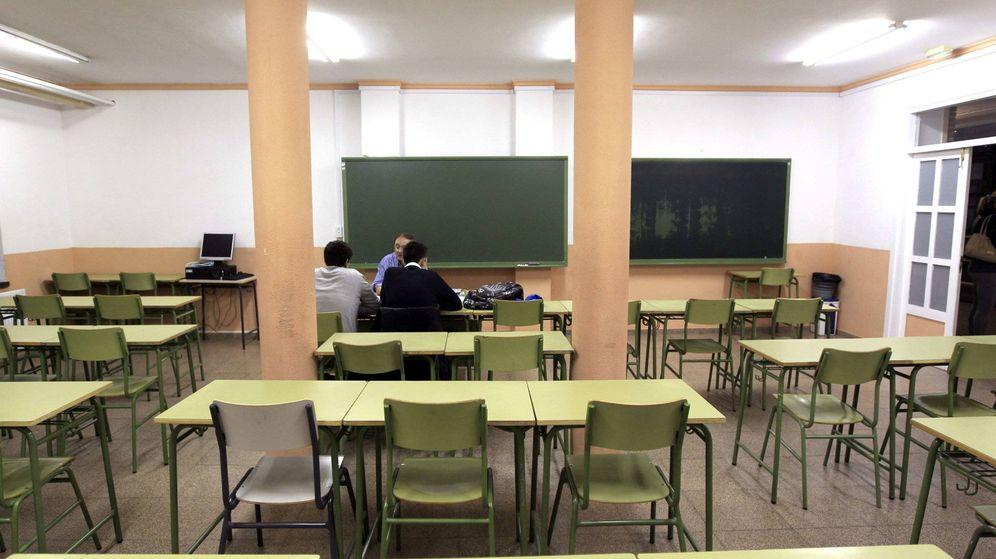 Foto: Aulas vacías durante la última huelga general en todos los niveles de la enseñanza convocada en marzo de 2017. (EFE)