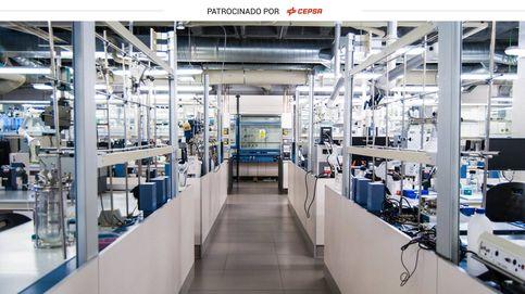 Así es la innovación científica española tras los detergentes que usas en casa