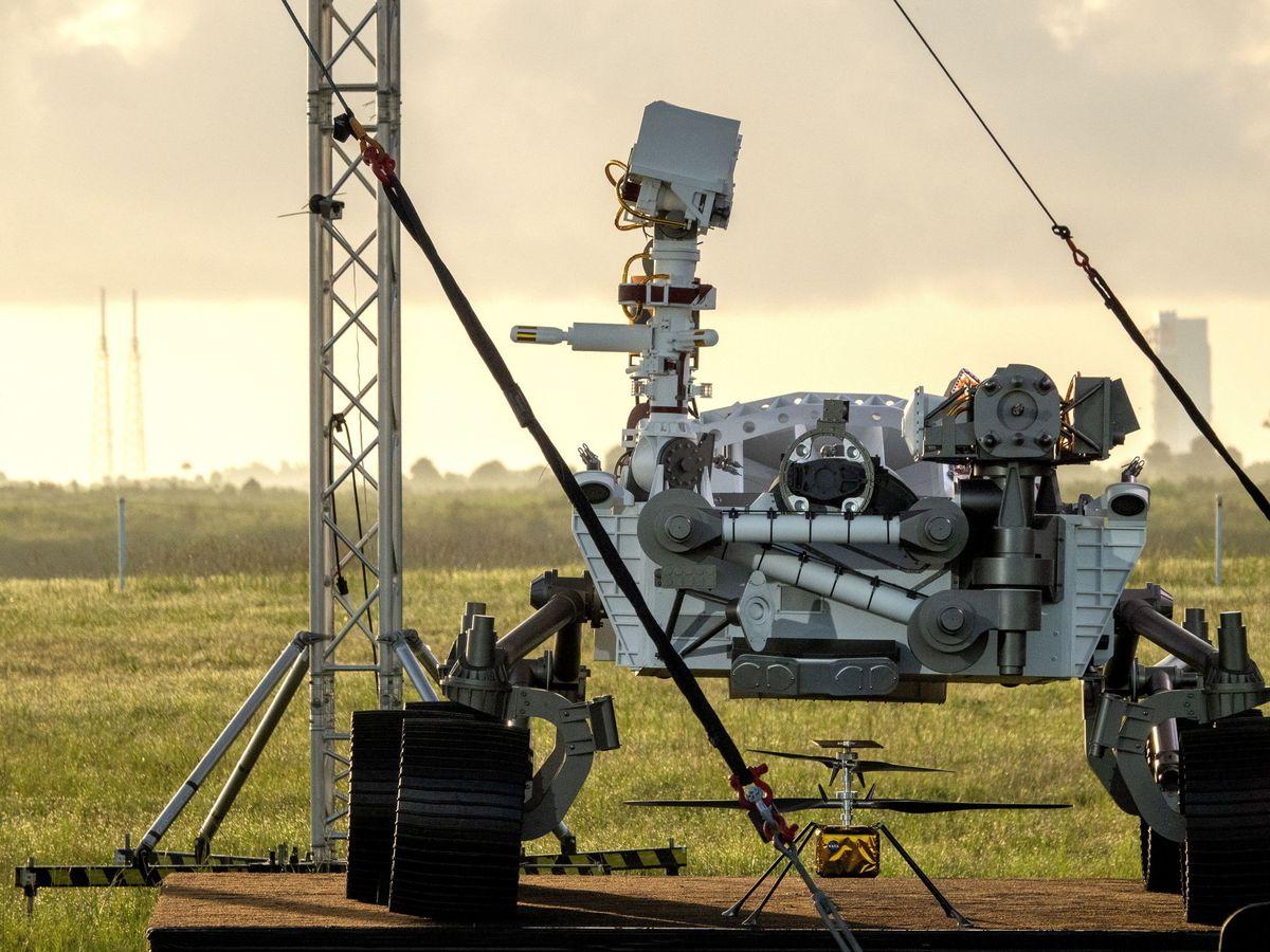 Foto: El rover Perseverance en el Centro Espacial Kennedy. Foto: EFE EPA CRISTOBAL HERRERA-ULASHKEVICH
