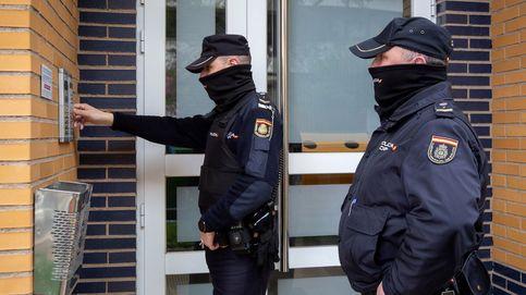 Detenido un joven por intentar tirar por el balcón a su compañera de piso en Madrid