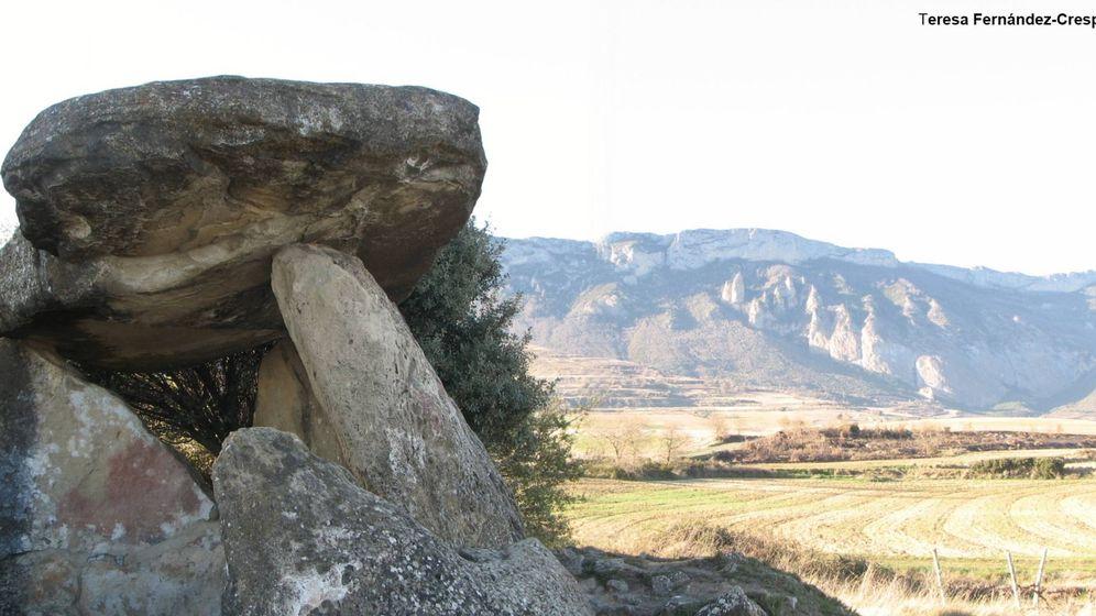Foto:  La Chabola de la Hechicera, un dolmen situado en Álava cerca de las cuevas estudiadas (Teresa Fernández Crespo)