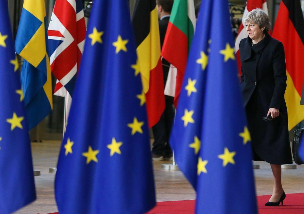 Foto: Theresa may a su llegada al Consejo Europeo en Bruselas, el 14 de diciembre de 2017. (Reuters)