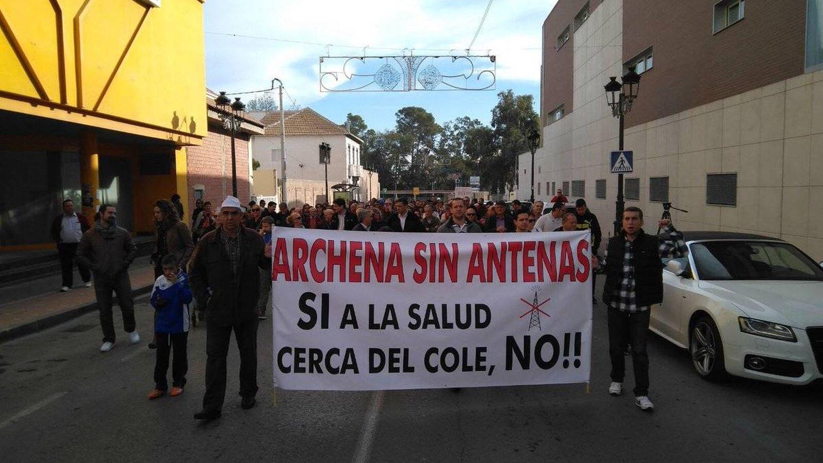 Foto: Manifestación contra las antenas en Archena (Foto: Ganar Archena)