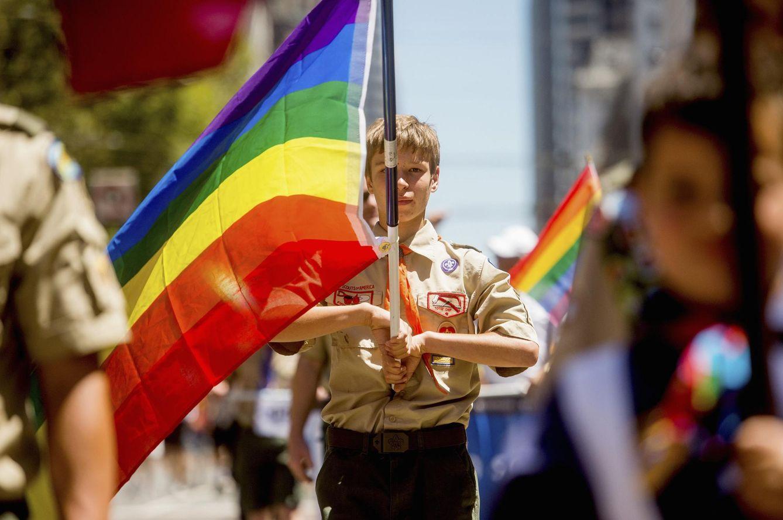 Foto: Casey, un 'boy scout', participa en un desfile del Festival del Orgullo Gay de San Francisco, California. (Reuters)