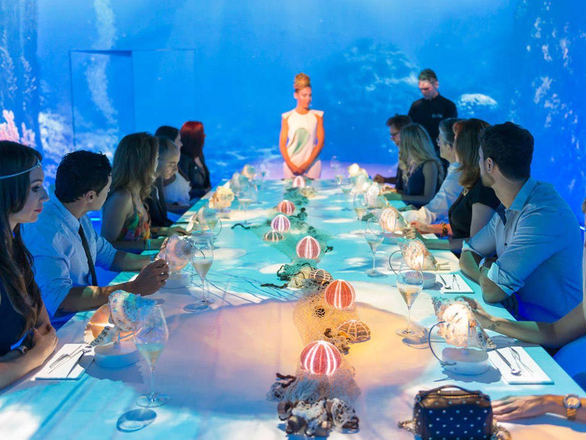 Foto: La mesa más exclusiva de la gastronomía con fondo marino.