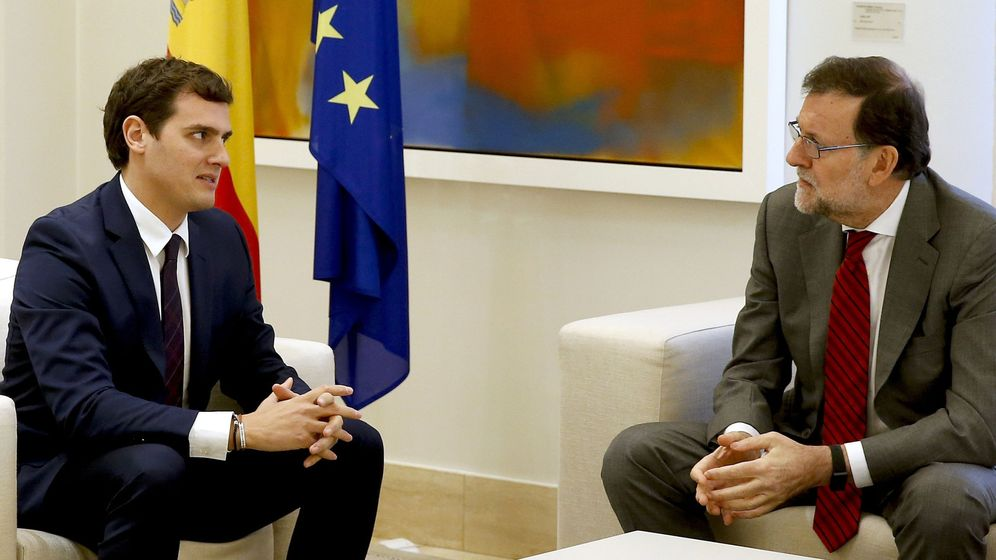 Foto: El presidente del Gobierno en funciones, Mariano Rajoy, (d), y el presidente de Ciudadanos, Albert Rivera. (EFE)