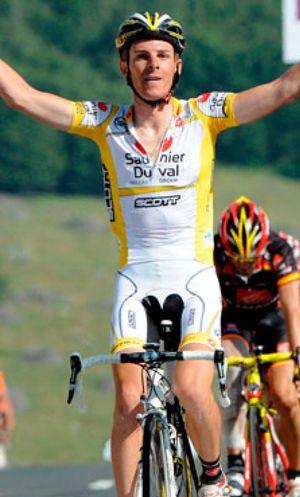 Ricco priva de la victoria a Valverde