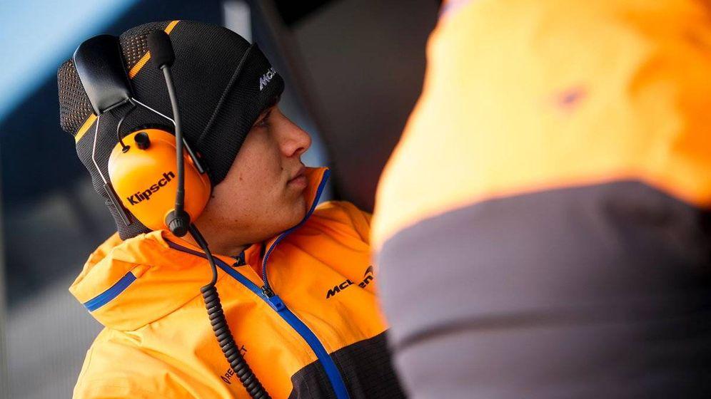 Foto: Lando Norris se muestra más cómodo que el pasado año a estas alturas, pero aún se delata su juventud en la Fórmula 1 (McLaren)