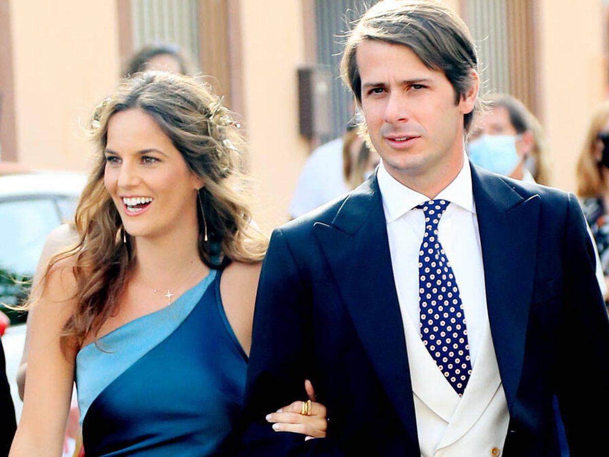 Foto: Carla Vega-Penichet y Carlos Cortina, en la boda de Felipe Cortina. (Gtres)
