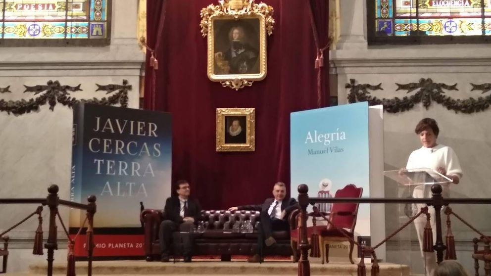 Los premios Planeta entran en la RAE y Manuel Vilas acaba imitando a Umbral