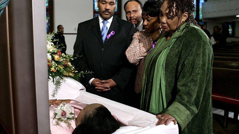 Los cuatro hijos de Martin Luther King, en el funeral de su viuda. (Getty)