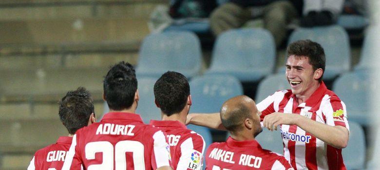 Foto: Los jugadores del Athletic celebran el tanto de Laporte (Efe).