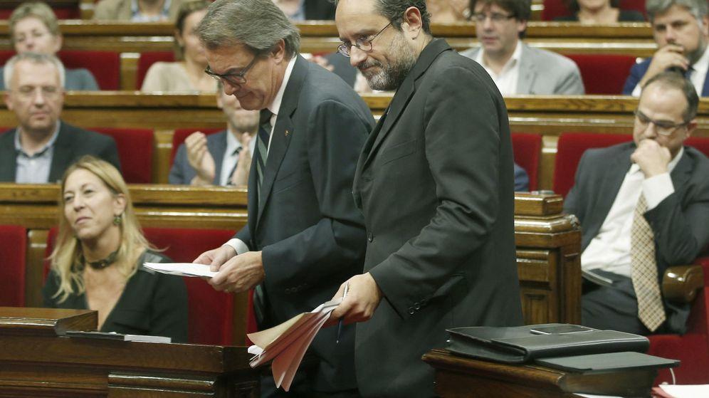 Foto: Mas y Baños en la segunda jornada del debate de investidura. (EFE)