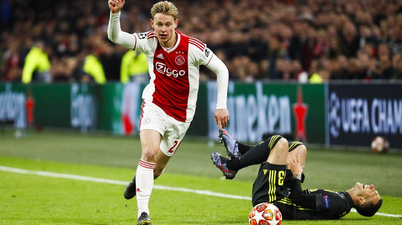 Frenkie de Jong en un partido con el Ajax de Ámsterdam. (EFE)