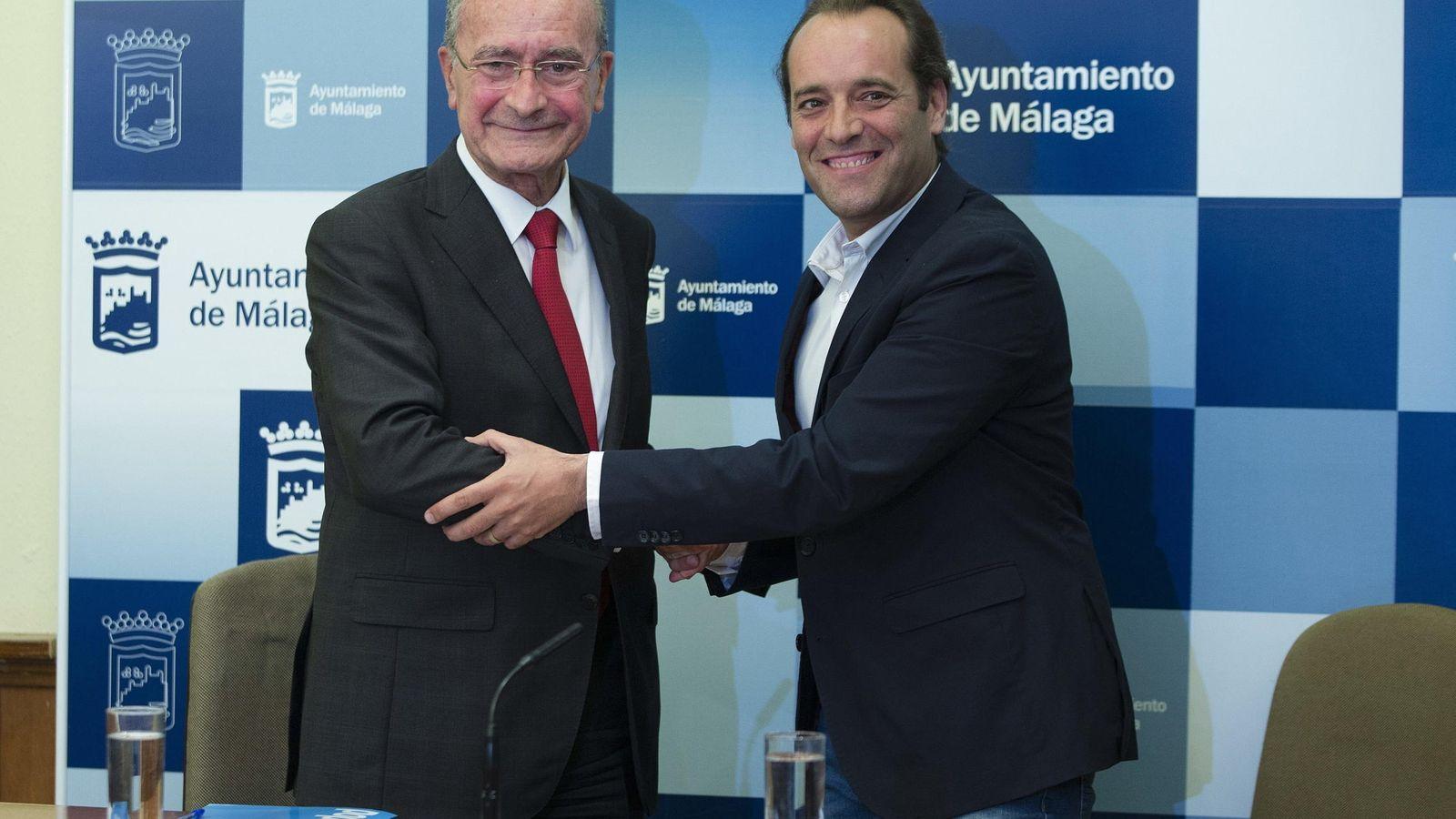 Foto: Acuerdo de Ciudadanos y PP para la gobernabilidad del Ayuntamiento de Málaga en junio de 2015. (EFE)