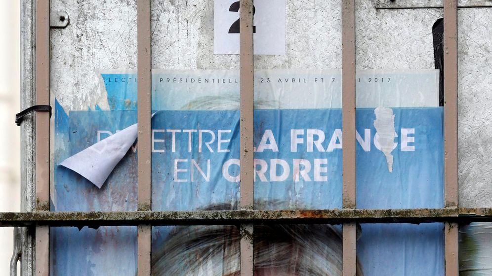 Foto: Cartel de Le Pen. (Reuters)