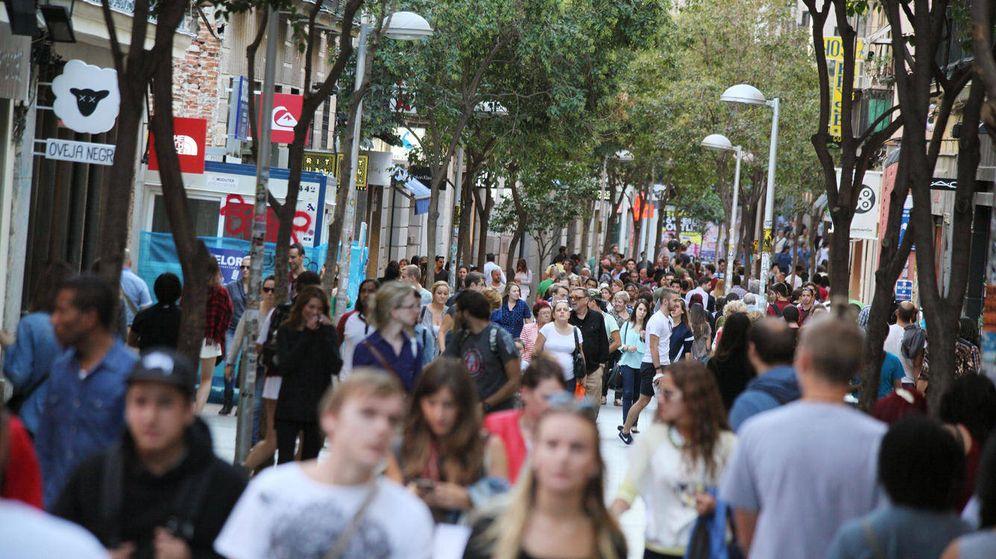 Foto: Vista de la comercial calle Fuencarral de Madrid. (Enrique Villarino)