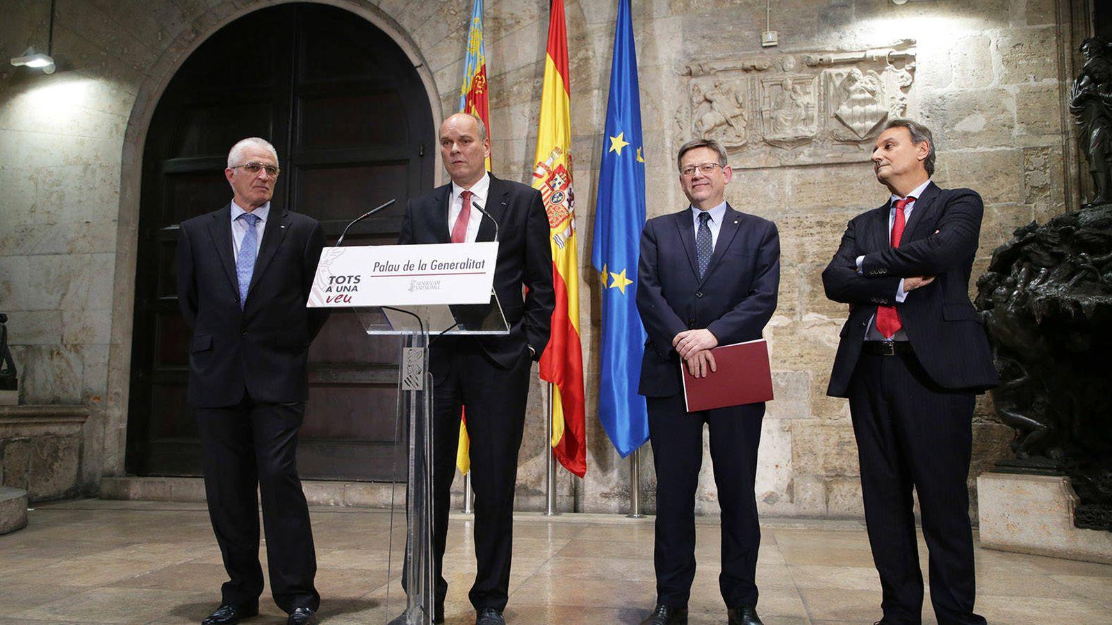 Foto: Momento del anuncio oficial de la inversión de 750 millones para la planta de Almussafes.
