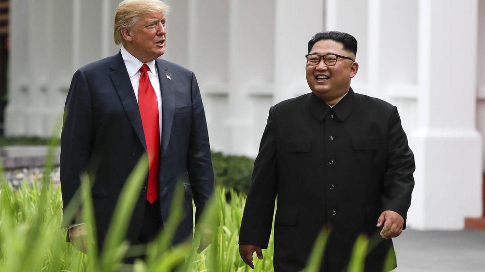 Foto: Donald Trump y Kim Jong-un, en la isla de Sentosa. (Gtres)