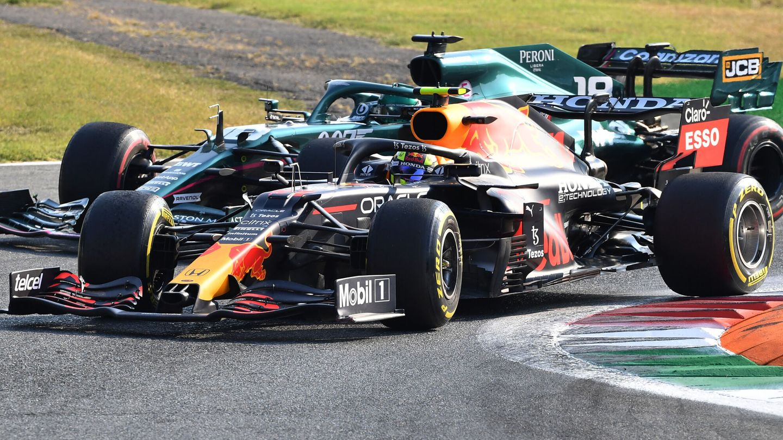 Formula One F1 - Italian Grand Prix - Autodromo Nazionale Monza, Monza, Italy - September 11, 2021 Red Bull's Sergio Perez and Aston Martin's Lance Stroll during the sprint qualifying REUTERS Jennifer Lorenzini
