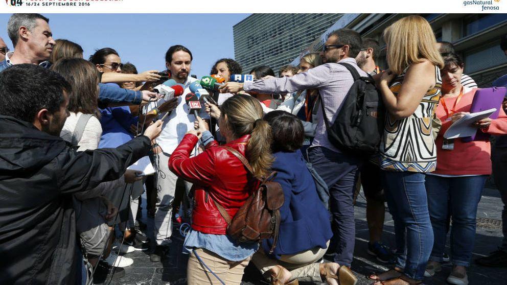 Gritos, abrazos... La gran estrella de San Sebastián es Pablo Iglesias