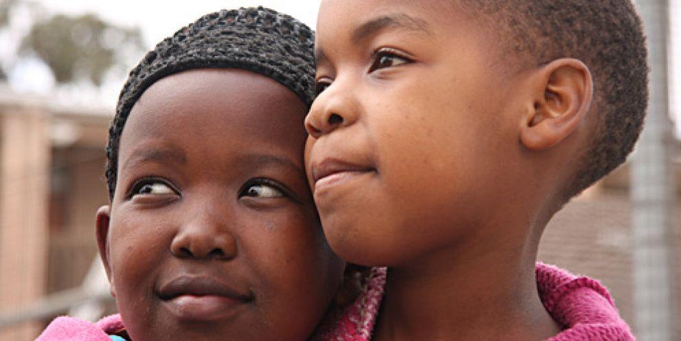 La brutal miseria de ser niño en Sudáfrica, el país más rico del continente