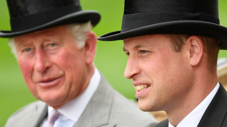 El príncipe Carlos y el príncipe Guillermo,  en una imagen de archivo. (Reuters)