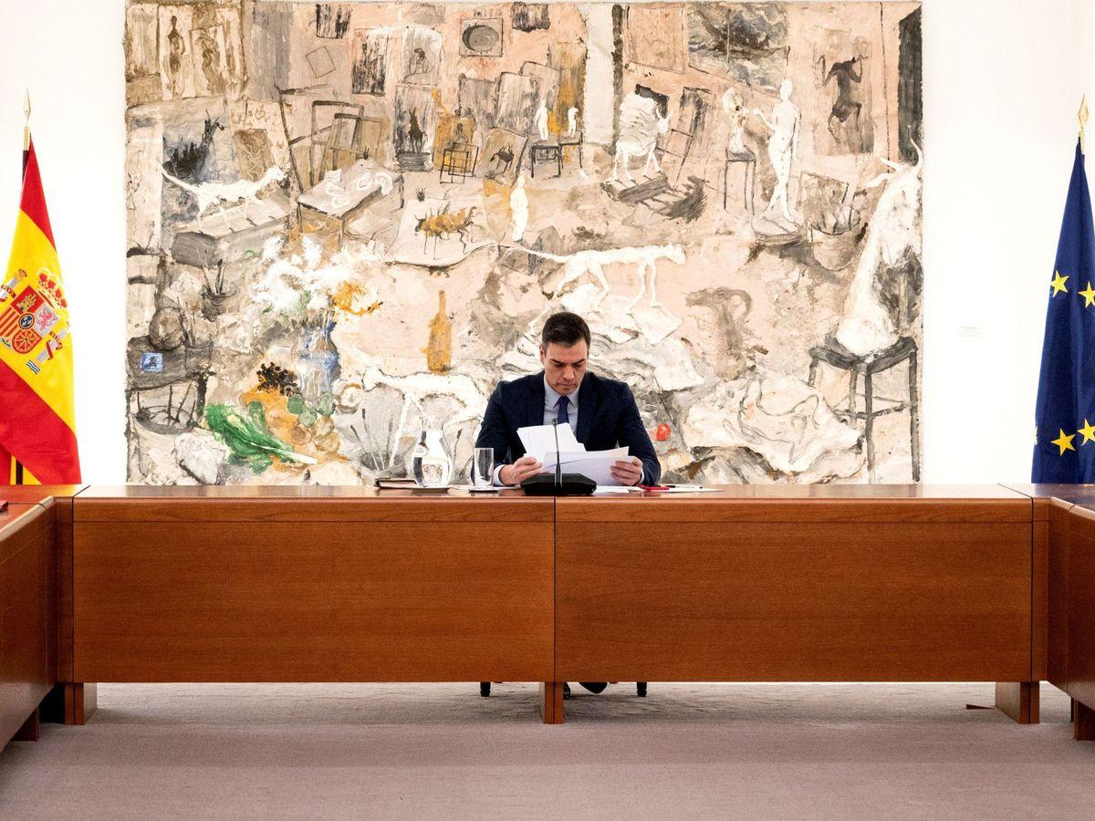 Foto: El presidente, Pedro Sánchez, durante la reunión del comité de gestión técnico del coronavirus en Moncloa. (EFE)