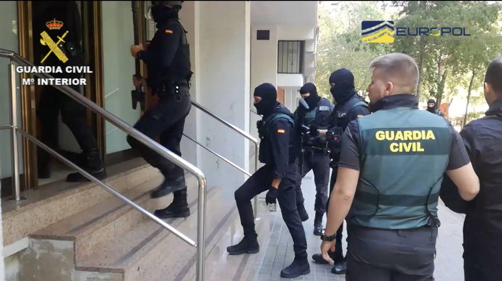 Foto: La Guardia Civil en la operación contra la sustracción y exportación ilegal de EPO