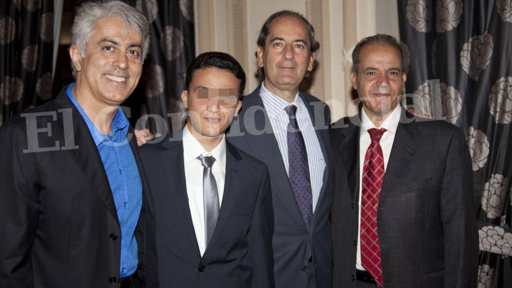 Foto: Massoud Zandi, el hijo de Ali Shamekh, Guillermo Mesonero Romanos y Ali Shamekh. (de izq. a der.) (EC)