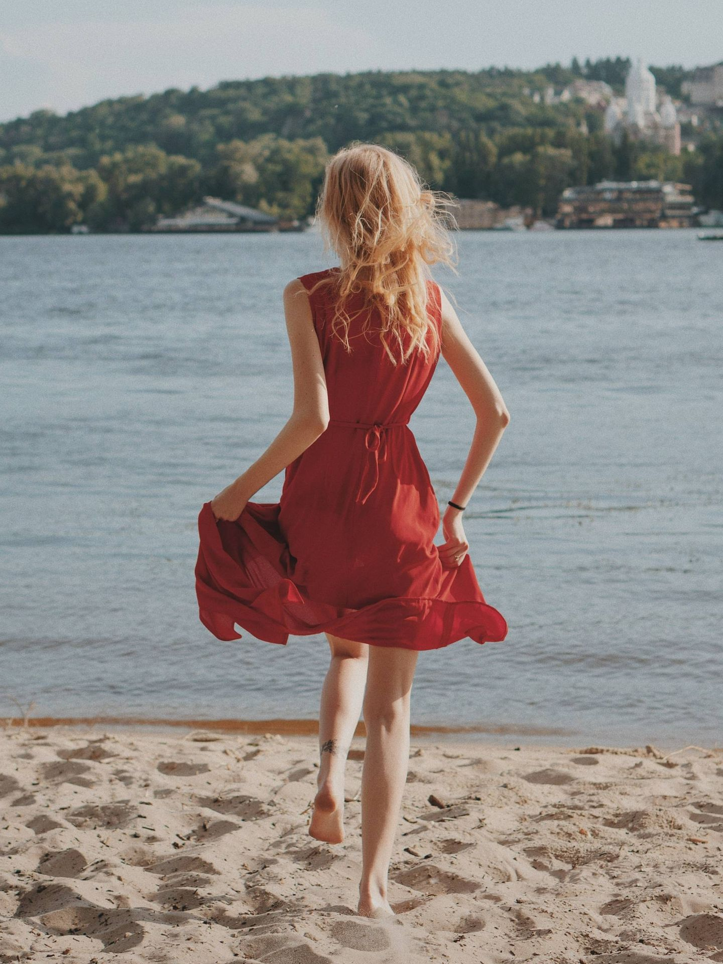 Trucos para una maleta perfecta en vacaciones. (Oleg Ivanov para Unsplash)