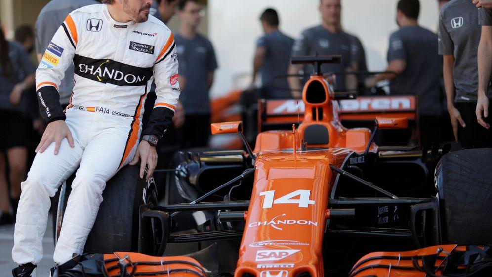 Foto: Fernando Alonso con su MCL32. (Reuters)