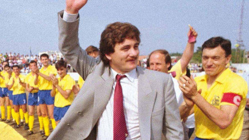 Foto: Sito Miñanco, cuando era presidente del club Juventud Cambados.
