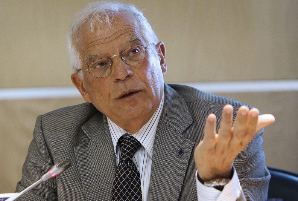 Foto: Josep Borrell ha denunciado una estafa de 150.000 euros de una falsa plataforma de 'trading'. (EFE)