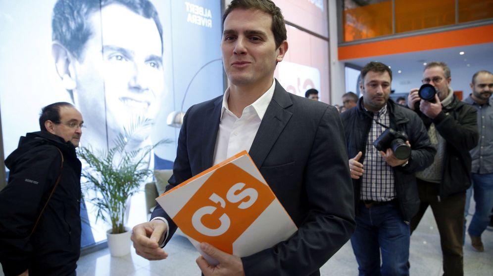 Foto: El líder de Ciudadanos, Albert Rivera, momentos antes de una rueda de prensa. (EFE)