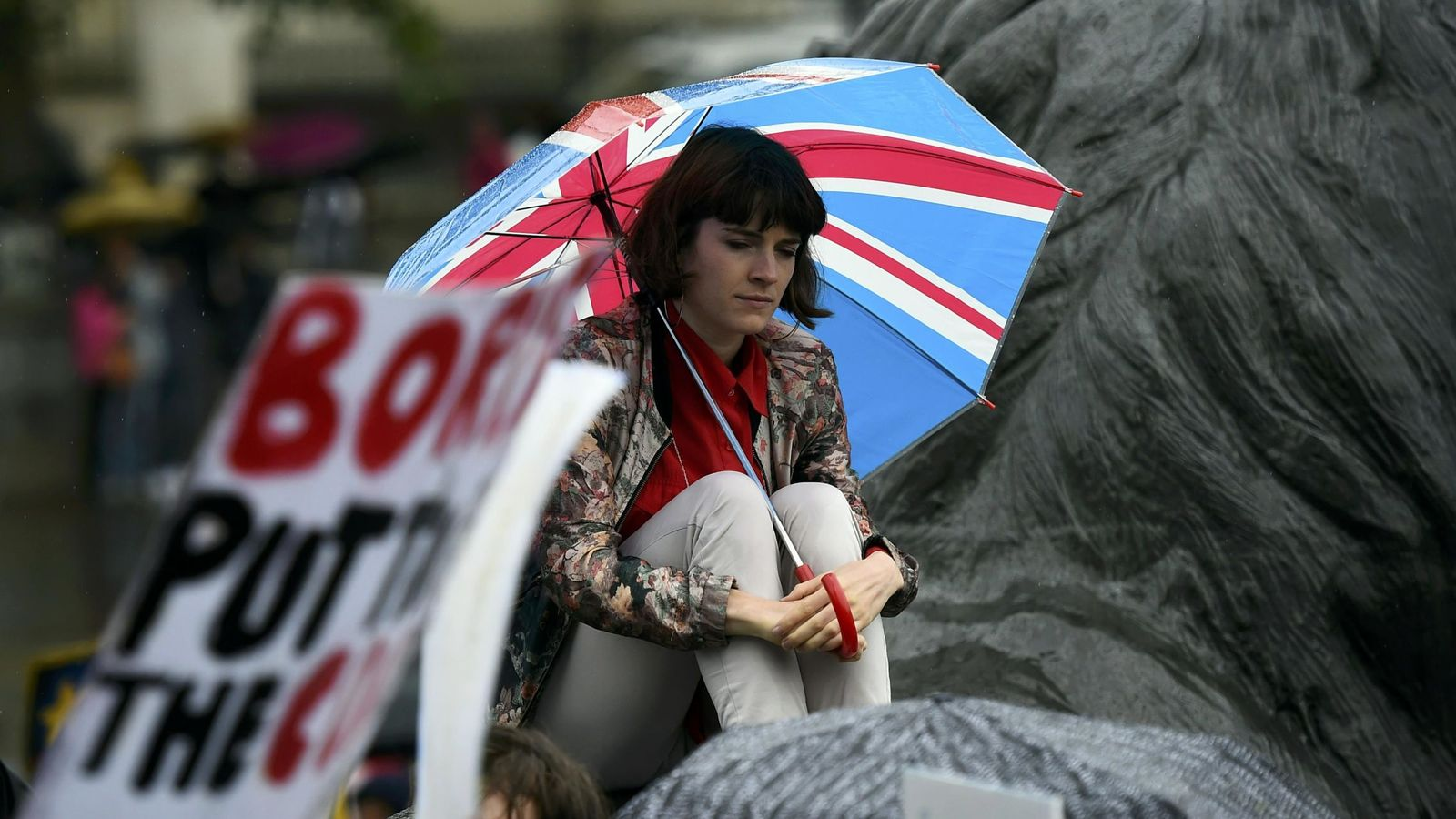 Foto: Una manifestante durante una marcha en apoyo de la UE celebrada en el centro de Londres, el 28 de junio de 2016. (Reuters)
