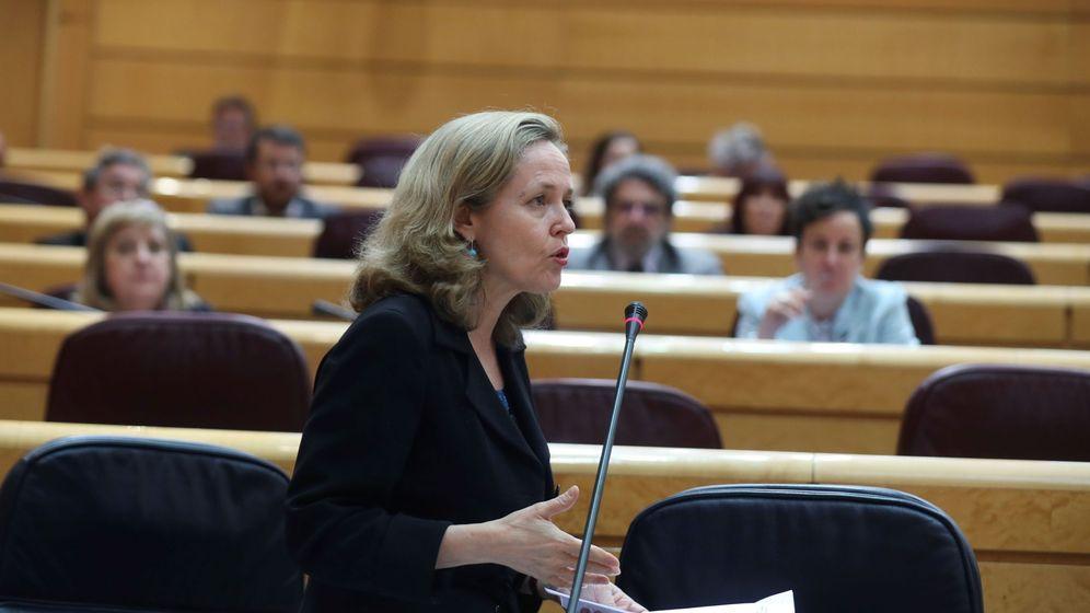 Foto: La ministra de Economía, Nadia Calviño, en el Senado. (EFE)