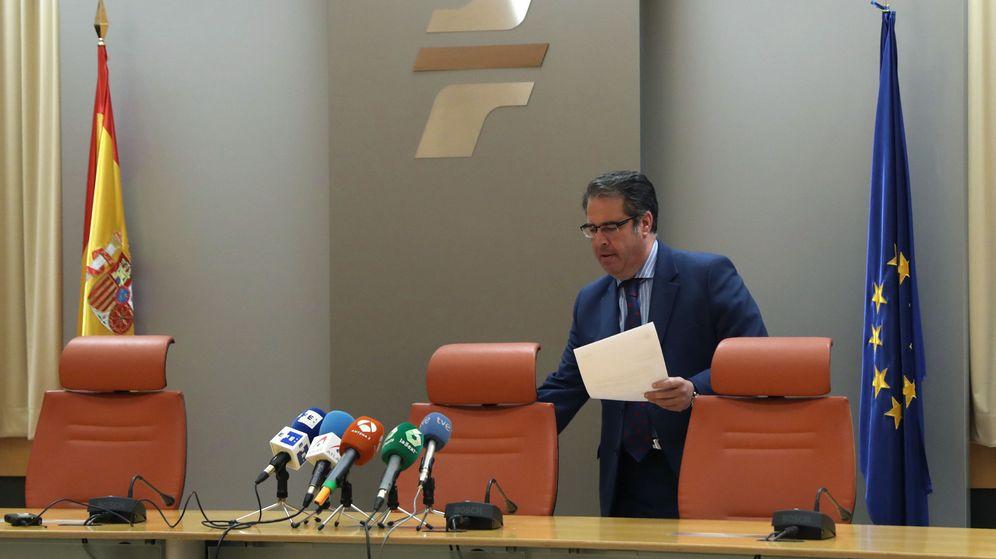 Foto: El director general de Tráfico, Gregorio Serrano, da explicaciones sobre la polémica. (EFE)